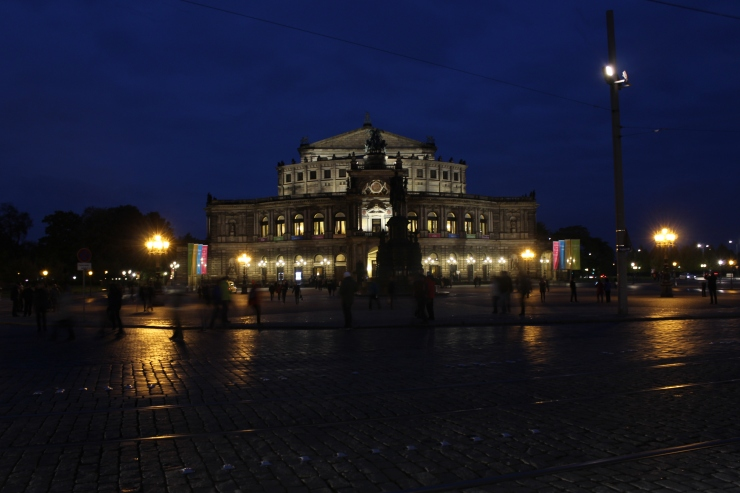 The Semperoper, destroyed in WW2 and rebuilt afterwards. The Pegida demonstration took place here a few days later.
